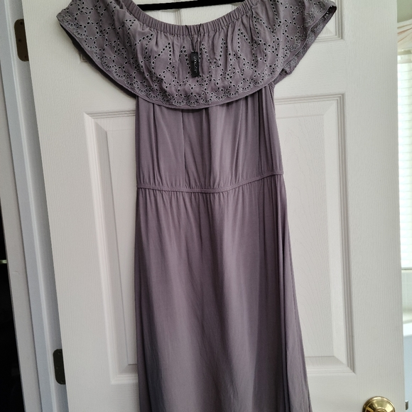 Sociology Dresses & Skirts - Dresse